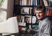 Zoran Đinđić u radnoj sobi